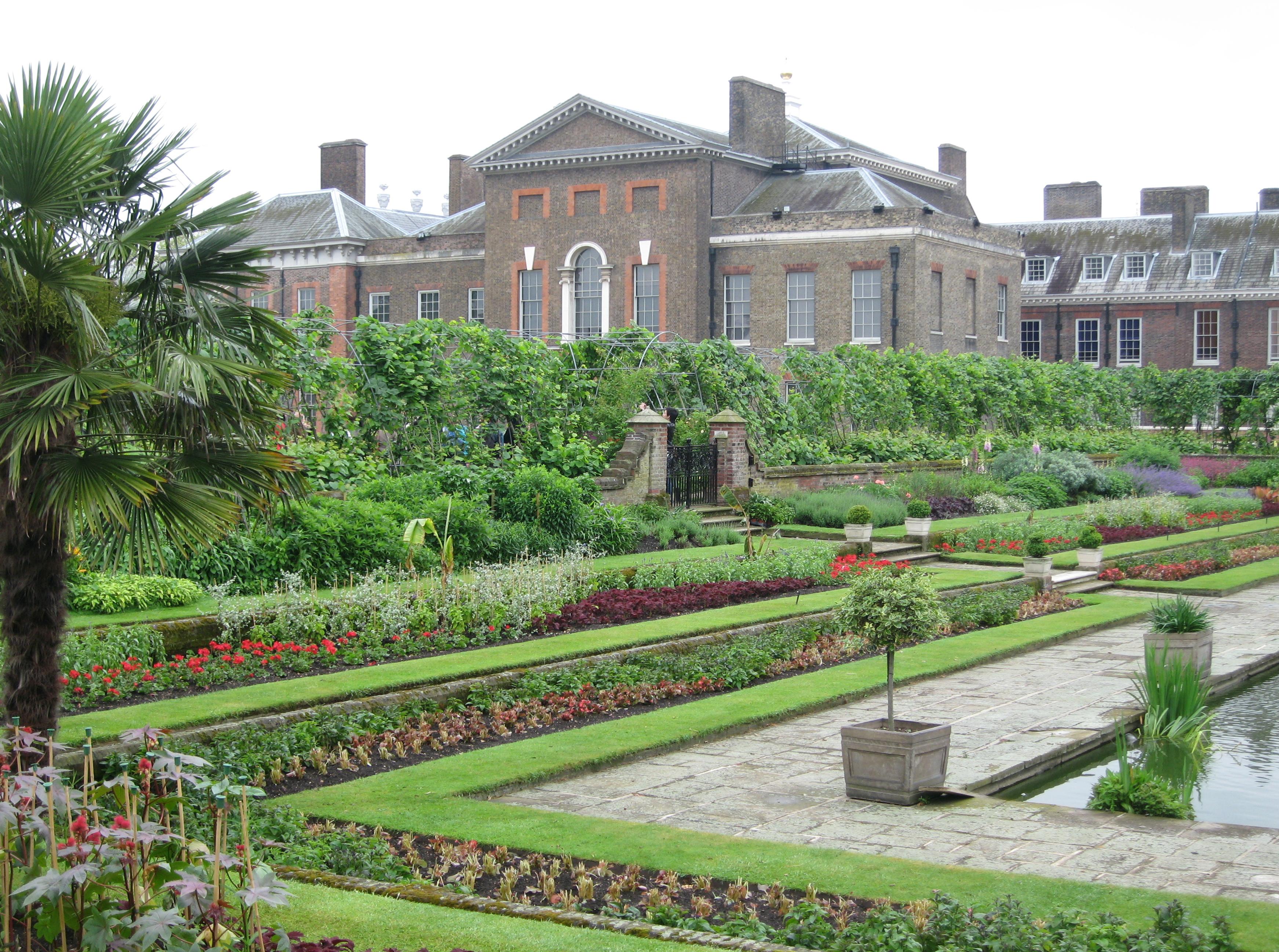 Kensington Palace Accentbritain