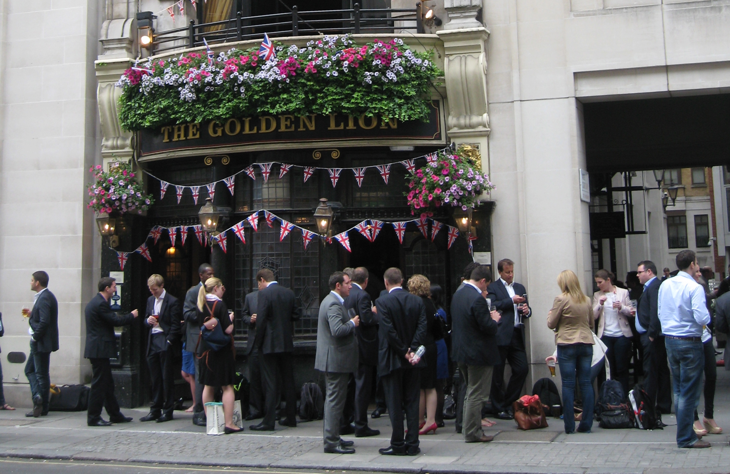 A London pub at Happy Hour. Photo by me