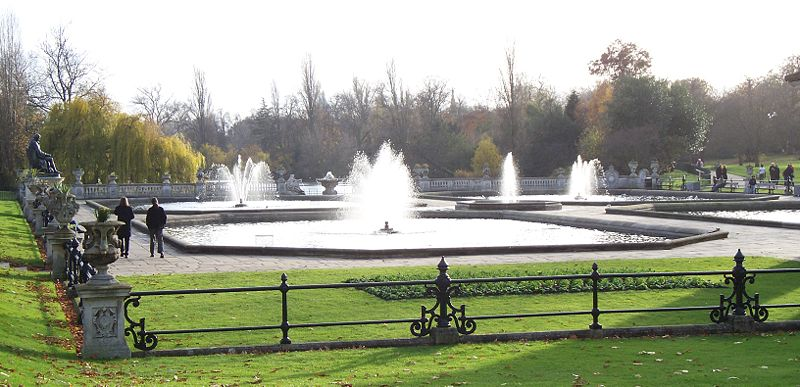 Kate was seen recently walking Lupo around the Italian Gardens in the park.Creative Commons photo
