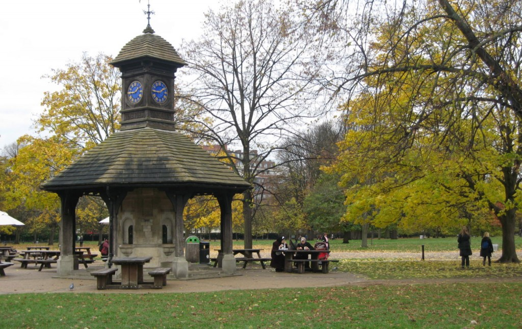 One of several small shelters to stop and sit and enjoy the park. Photo by me.