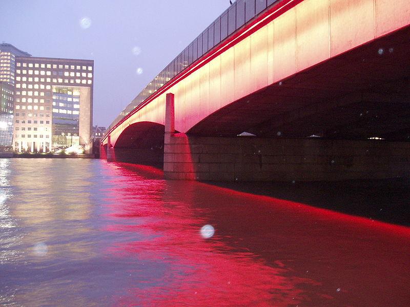 London Bridge, photo by Peter Burgess