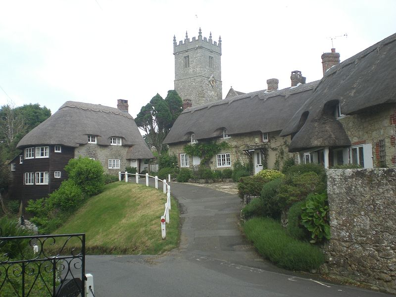 Thatched Cottages in Godshill. Wikipedia.