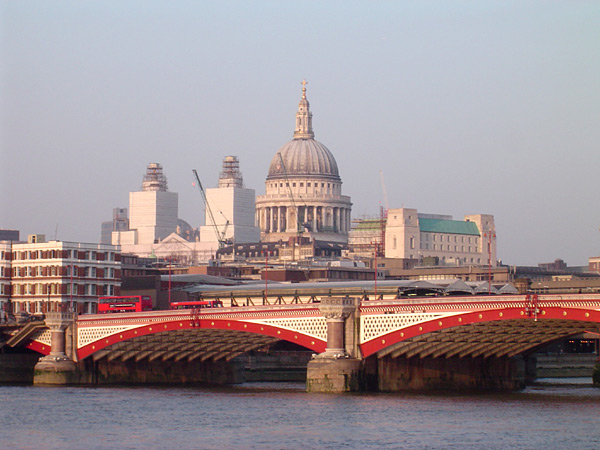 Blackfriars Bridge, London, with St. Pauls Cathedral behind. Photo Wikimedia Commons
