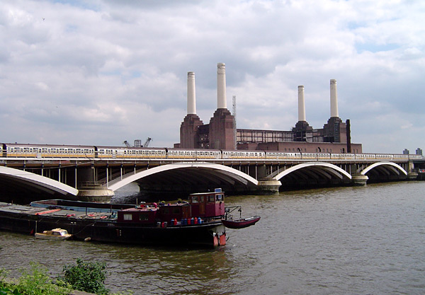 Grosvenor Bridge. Photo: ChrisO Wikimedia Commons