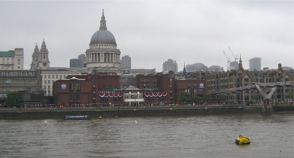 The Millennium Bridge on a grey English morning. Photo by me.