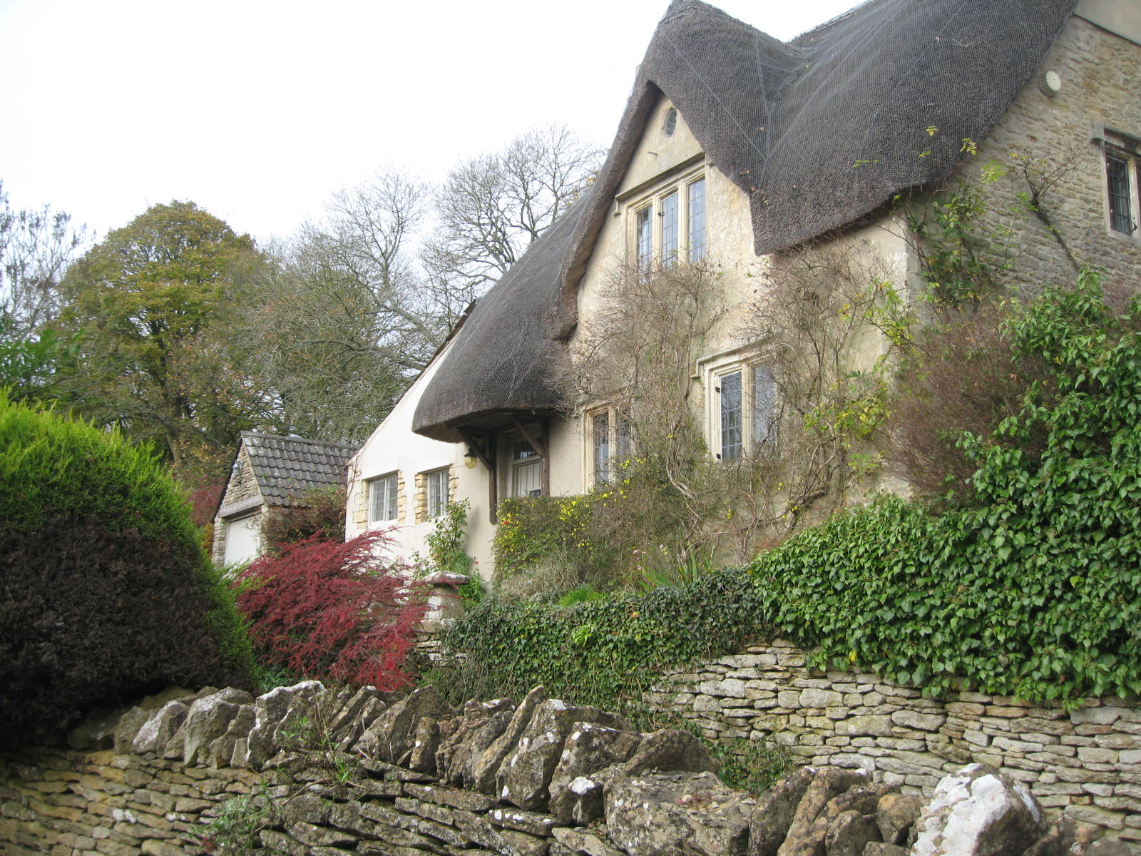 A Thatched Cottage Walking In To Castle Combe The Cotswolds Photo By Me