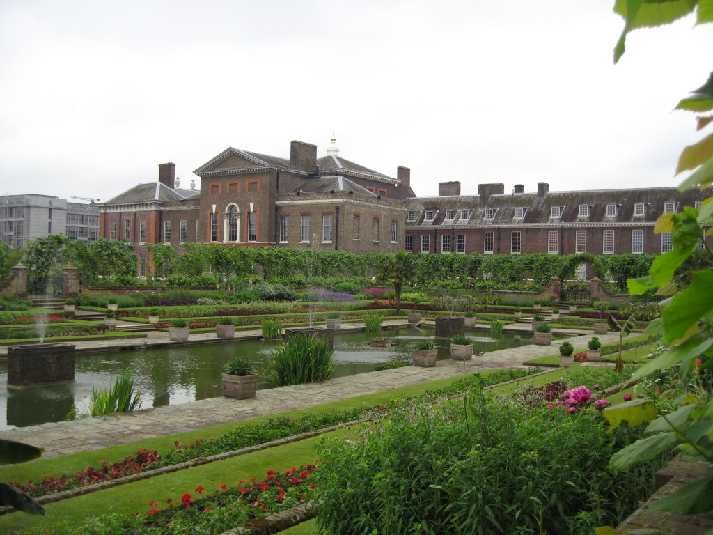 Kensington Palace from the more public East side. Photo by me