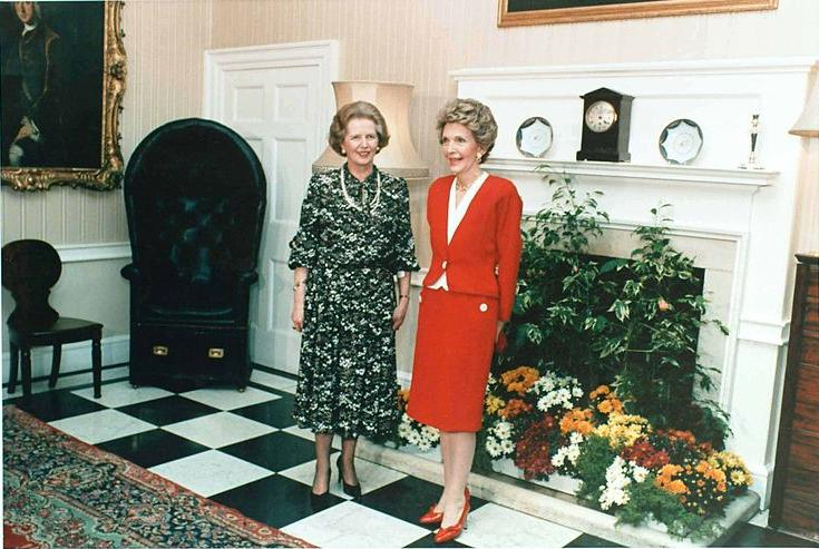 Margaret Thatcher and Nancy Reagen in the recption area at 10 Downing Street