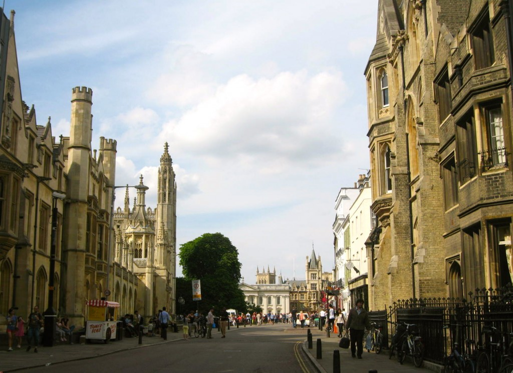 The main streets of Cambridge lined with scholastic buildings of the various colleges. Photo by me.