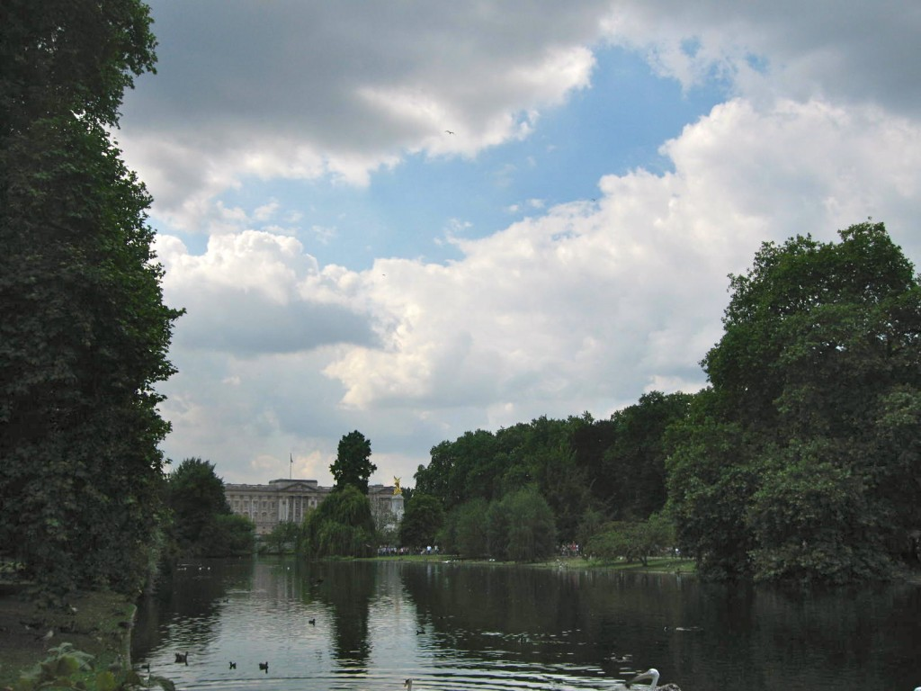 Bucking ham Palace from St. James Park. Photo by me.