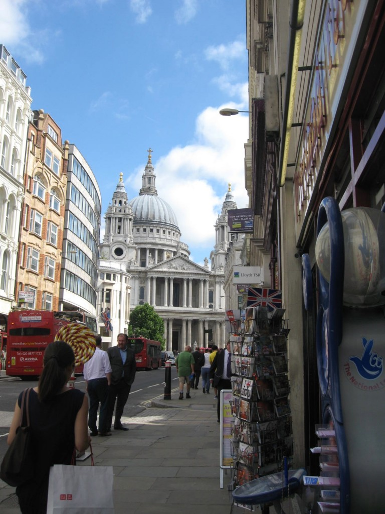 St.Paul's Cathedral on the walk back to the train.Photo by me
